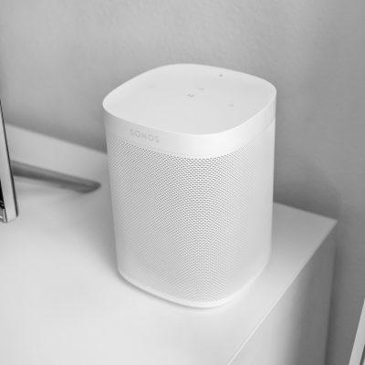 Sonos White One Smart Speaker 1