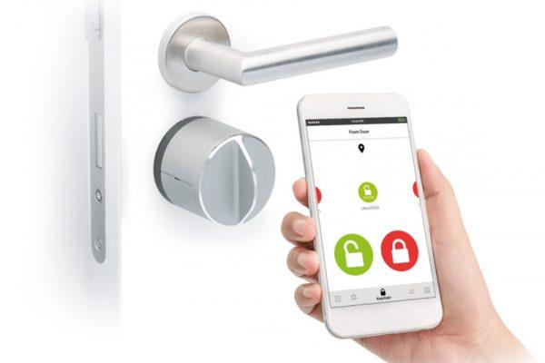smart phone doorlock Futurehome